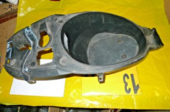 APRILIA SR 50 FACTORY BREAKING UNDER SEAT LUGGAGE BOX ((ASK-US)) ((WEB-STOCK))  (67-A)